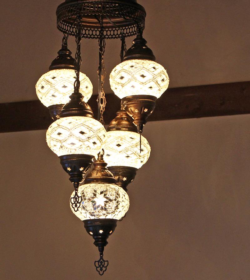 トルコランプ/モザイクガラスランプシャンデリア5灯段違いホワイト&クリア/15W×5灯