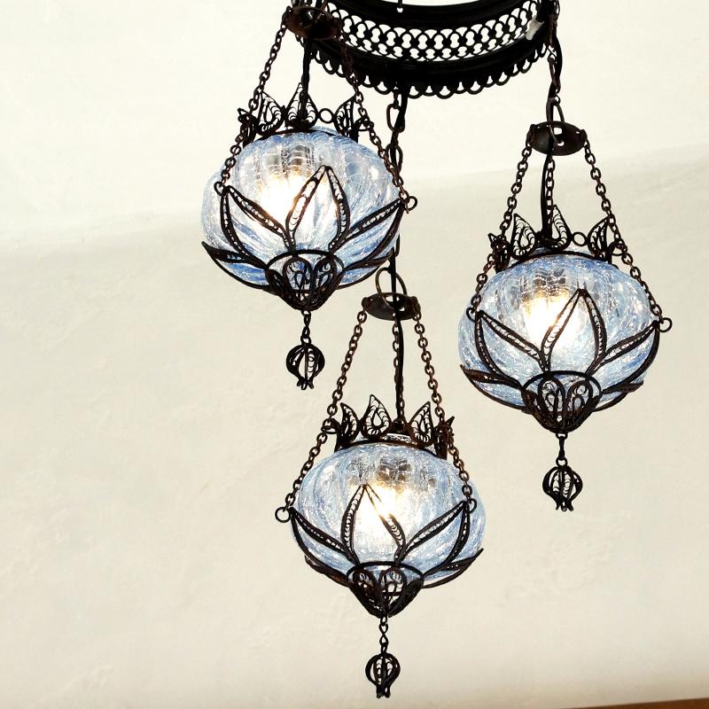 トルコランプ・テルキャリ細工&クラックガラスシャンデリアパンプキン螺旋型・E17/15W×3灯・ブルー
