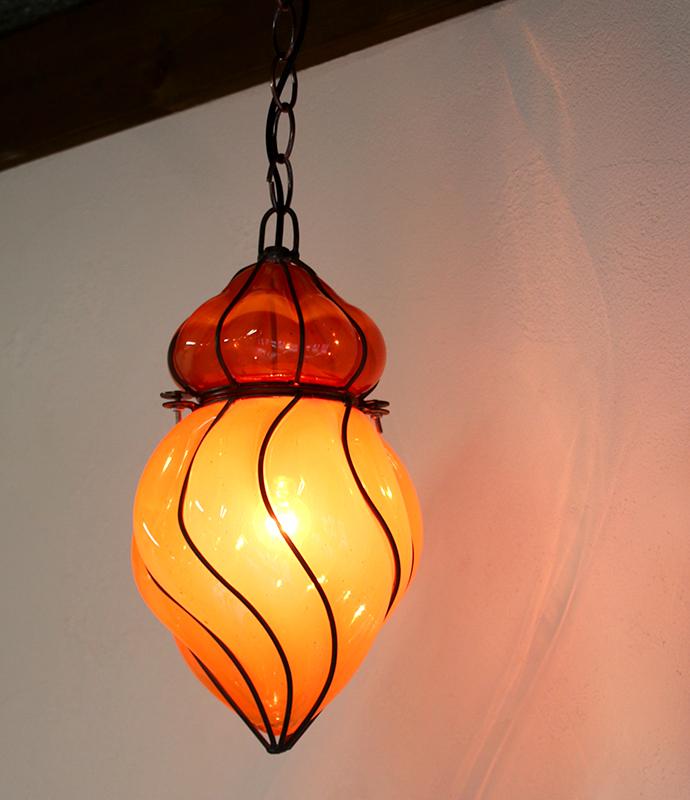 ガラスペンダントランプ・エジプト製アイアンワークチューリップ・オレンジ E17/25W白熱球付