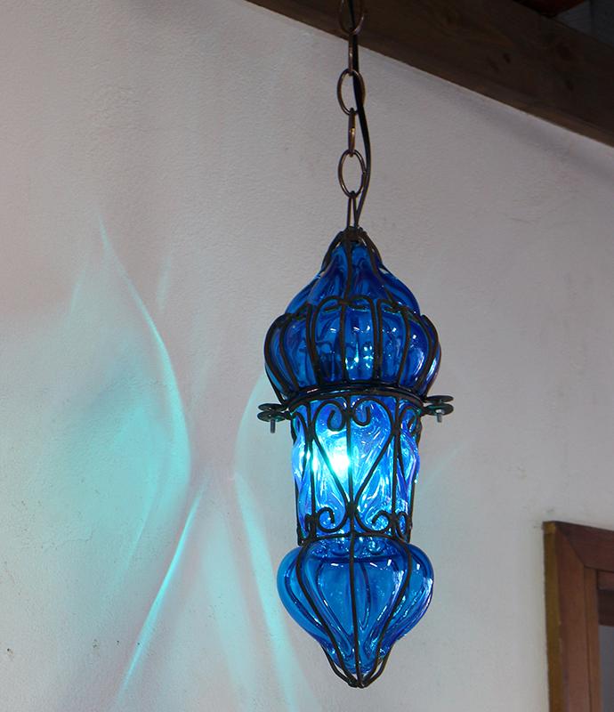 エジプシャン・ガラスとアイアンのペンダントライト・/地中海スタイルのモロッコランプ・Mサイズ ブルー E17/25W白熱球付