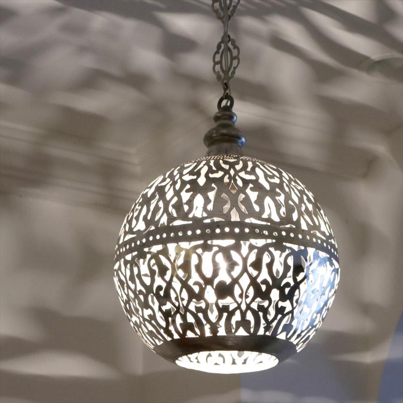 メタルシェード・ペンダントランプ/Egyptian Metal shade Lamps, Handmade ペンダントライト Φ27cm/Football シルバー色/アラベスク店舗照明・エスニック・BOHO・輸入照明