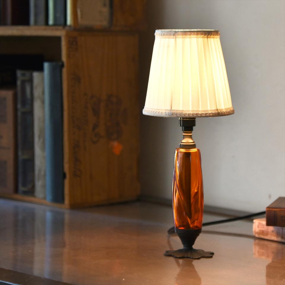 テーブルランプ アンティークガラススタンド オレンジ直径13cm ホワイトプリーツの布シェード