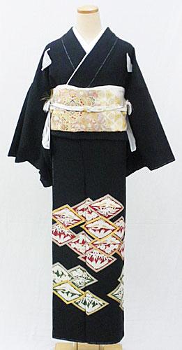【レンタル 送料無料】 正絹黒留袖フルセット  「菱文様 黒留袖」 ~ご親族の結婚式に~