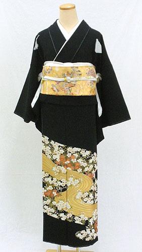【レンタル 送料無料】 正絹黒留袖フルセット  「桜花に流水文様 黒留袖」 ~ご親族の結婚式に~