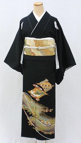 【レンタル 送料無料】 正絹黒留袖セット  「扇菱に流水文様 黒留袖」 ~ご親族の結婚式に~