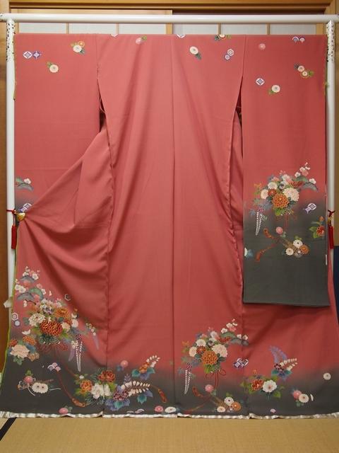 振袖 和楽器に花尽くし くすんだ濃いピンクから灰がかった緑へのグラデーション【振袖】【花】【和楽器】【お仕立て込】【送料無料】【smtb-k】【ky】