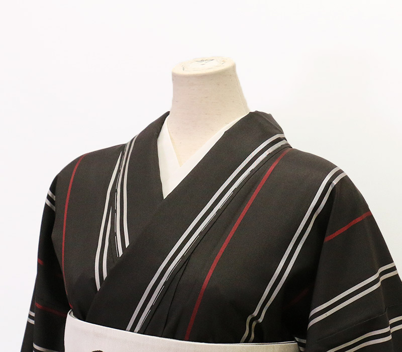 nonoのストライプの着物 本場縞大島 お仕立てあがりMサイズ 正絹手縫い 「Lead 赤白黒の着物」 プレタ【Kimono Factory nono のの キモノファクトリーノノ】
