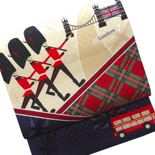 【送料無料】正絹 京袋帯 お仕立て上り ロンドン 赤 青色 ベージュ チェック 市松 モダン イギリス 兵隊 国旗 バス かわいい おしゃれ カジュアル 着物用 きもの 小紋 おでかけ着 帯 日本製 名古屋帯 染め帯 染京袋帯 一重太鼓