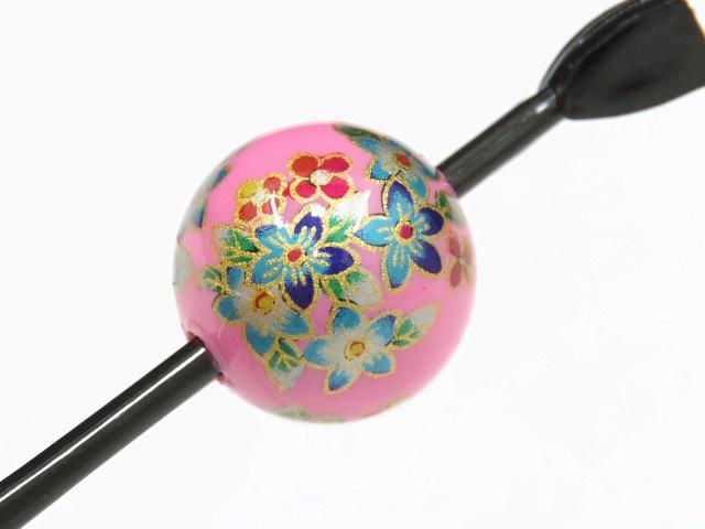 日本製 送料無料 一本挿し 玉かんざし 髪飾り ピンク色地に金の縁取りの花柄 紺色・水色・赤色・緑色・白色の五色の色分け季節問わず使っていただけます。振袖の追加の飾りにも。留袖や訪問着、付下げからカジュアル着物、小紋や紬などにも。 あす楽DE2H9IW