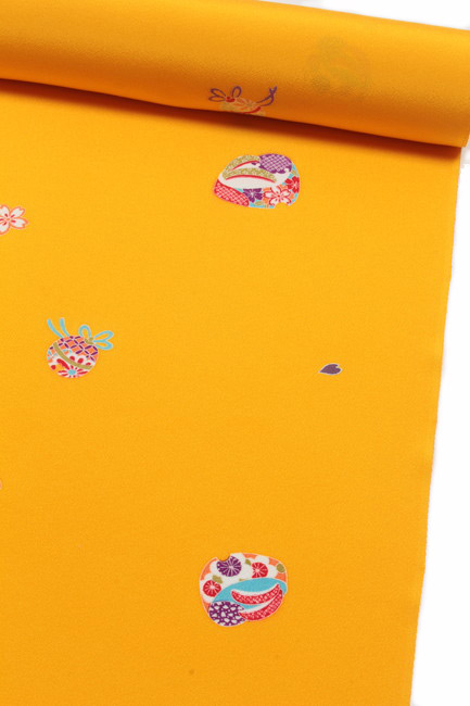 【七五三】 7歳 3歳 女の子 四つ身 京友禅小紋着尺 黄色地/兎草履・鈴文(飛び柄) 【十三参り】 丹後ちりめん 三歳 七歳 子供用 ジュニア 着物
