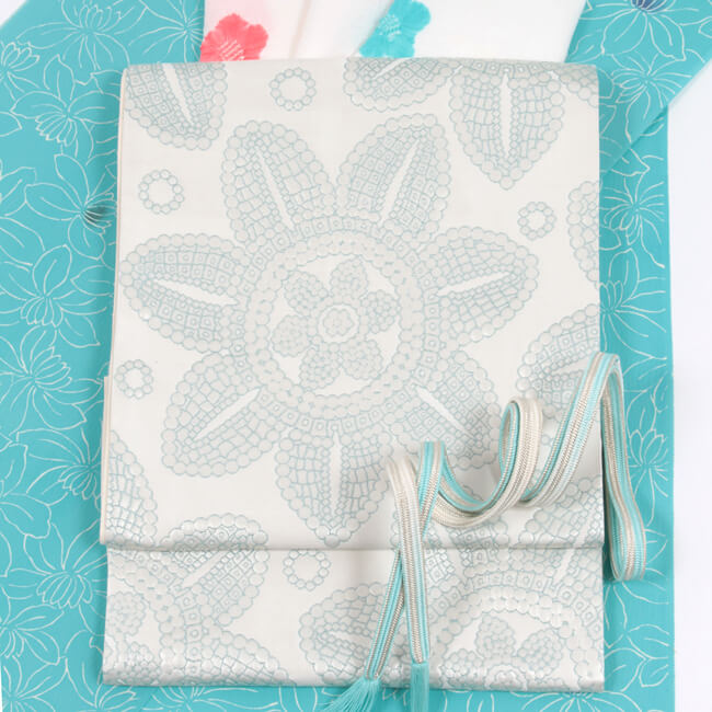 【織紫苑】 西陣織袋帯 箔風通織 「フラワー」白地×薄青磁 正絹 セミフォーマル ママ割