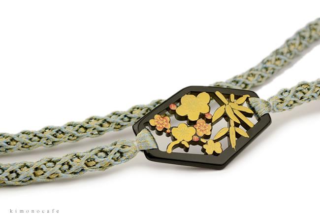 振袖用 帯締め 正絹 日本製 伊賀組紐 ラメ 金糸 松竹 帯留め 飾りつき せいじ色 成人式 着物