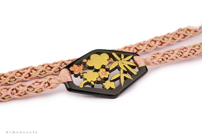 正絹 帯締め 伊賀組紐 振袖用 ラメ 金糸 松竹 帯留め 飾りつき 桜色 レディース 女性 婦人 着物 日本製