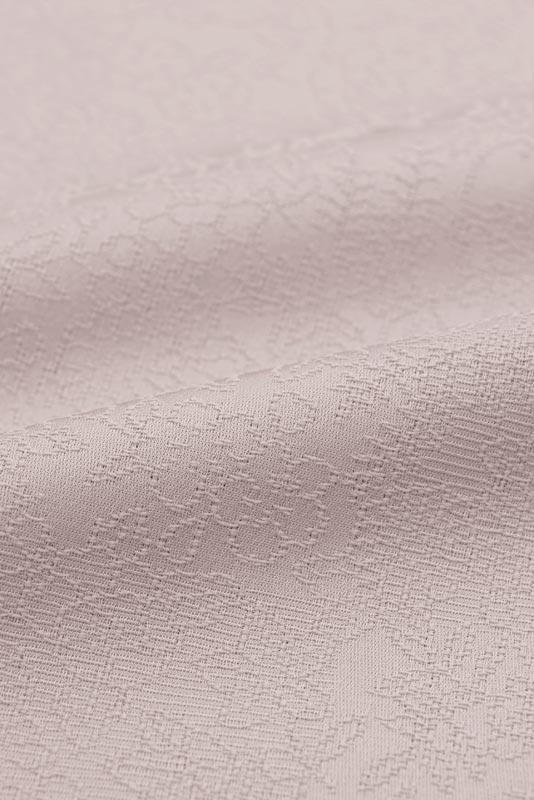 東レシルック 紋意匠色無地 華格子NO.6104「薄梅鼠」≪贅沢な地紋に包まれて…≫
