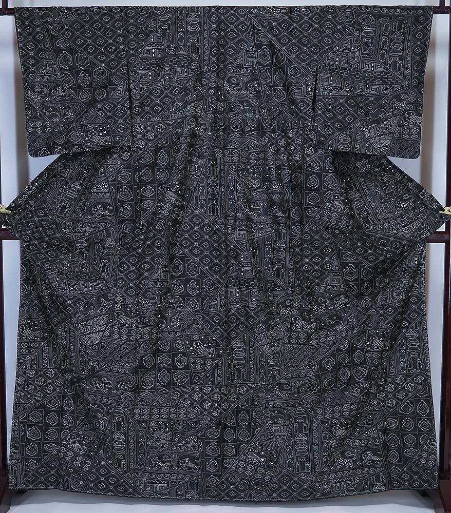 ■裄65cm 新品 お仕立上り 総汕頭刺繍 紬 訪問着 黒地