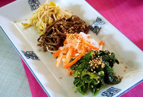 これひとつで簡単便利ビビンバ(ピピンパ)も石焼ビビンバも! ナムル(ナムルセット)200gビビンバ石焼ビビンバに!(4種類の野菜のセット)[韓国食材 韓国惣菜] お取り寄せ