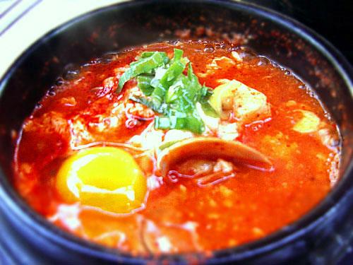 «Hotness» tantalizing! Sundubu jjigae (tofu stew)!