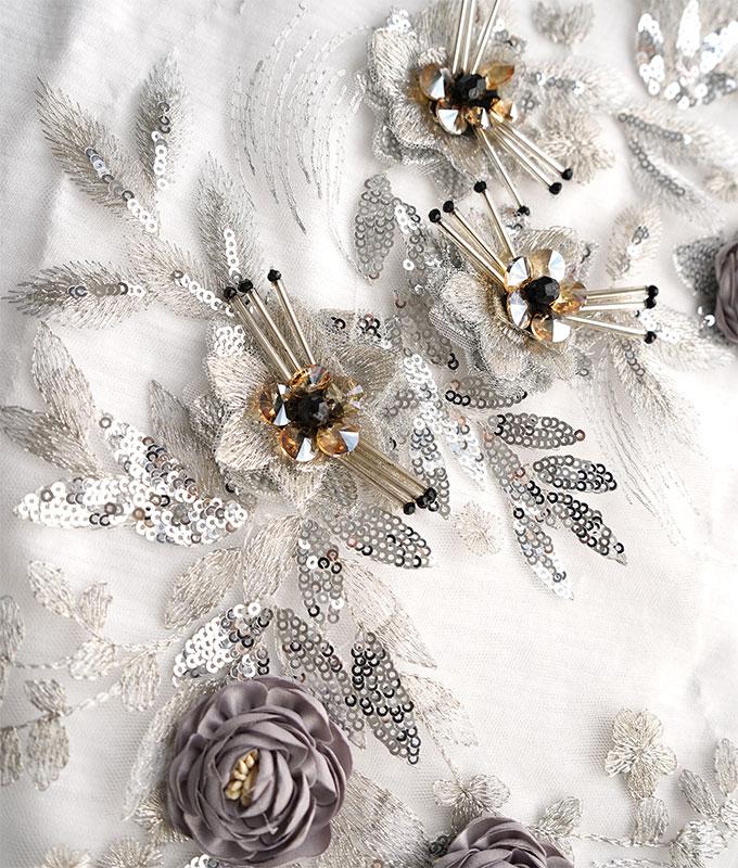 「cawaii french」キラキラ輝くお花デザインの切りっぱなしカットソー【ホワイト】
