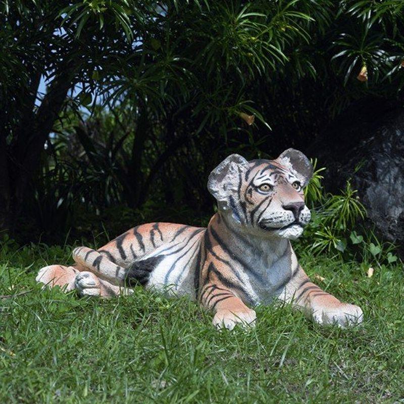 実物大 動物 オブジェ 見つめる子タイガー インテリア イベント ディスプレイ