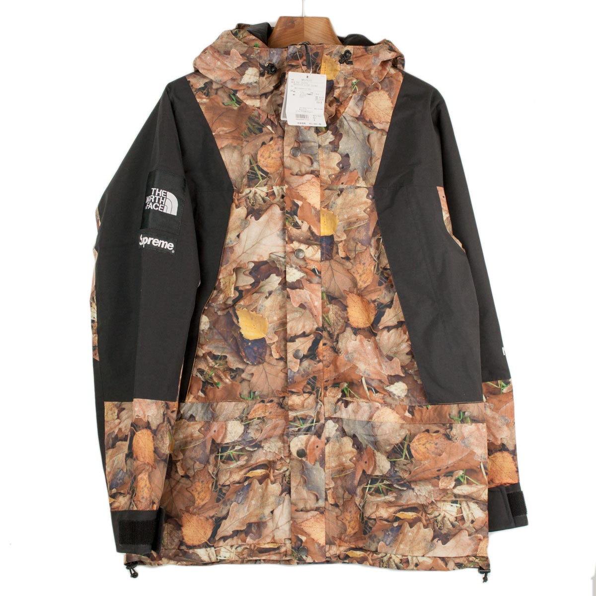 【中古】Supreme x The North Face 2016AW Mountain Light Jacket Leaves 【送料無料】 【000878】 【KIND1489】