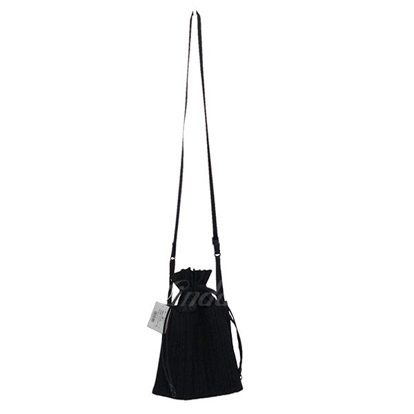 【中古】ISSEY MIYAKE PLEATS PLEASE SQUARE PLEATS BAG ショルダーバッグ 【送料無料】 【037681】 【KIND1550】