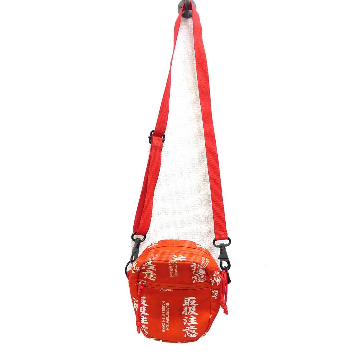 【中古】Black Eye Patch HANDLE WITH CARE LABEL SHOULDER BAG 取扱注意 レッド 【送料無料】 【221018】(ブラックアイパッチ)