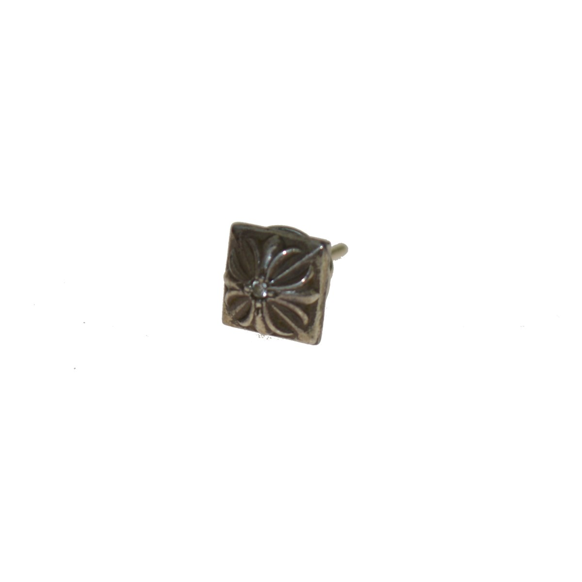 【中古】CHROME HEARTS PYRAMID PLUS STUD DIAMOND ピアス 【送料無料】 【116046】 【KIND1550】