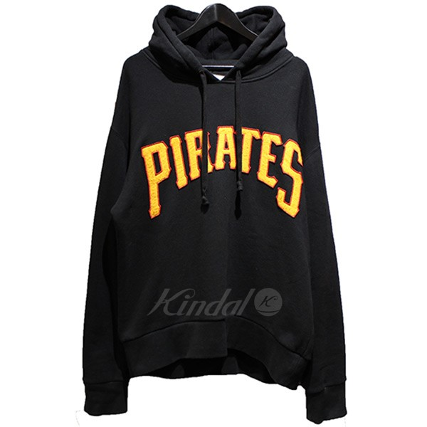 037fcaad9d6 kindal  GUCCI 2018AW Pittsburgh Pirates patch parka black size ...