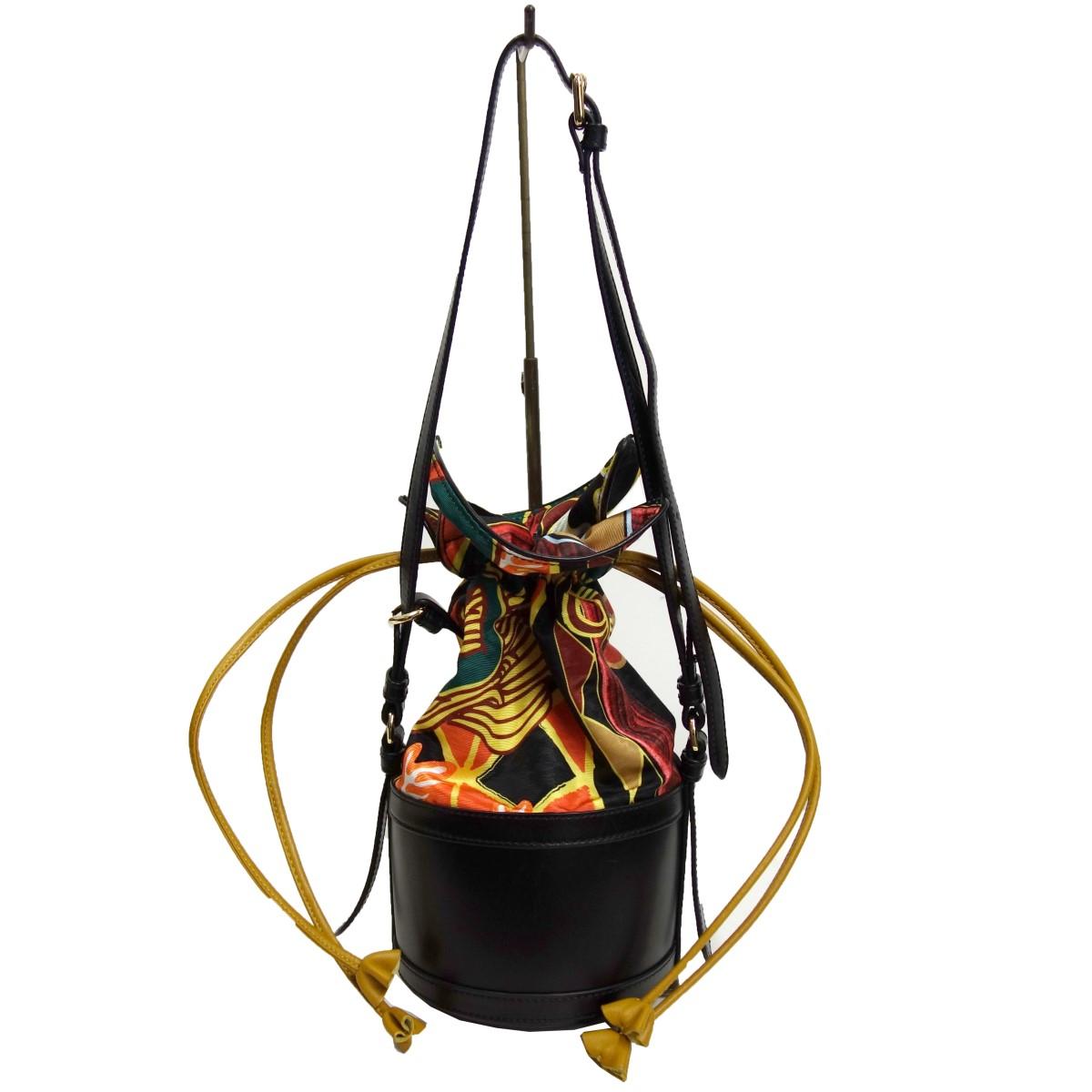 【中古】CARVEN「PRINTED NYLON WITH MOIRE BAG」 バケットバッグ ブラック×マルチ サイズ:-