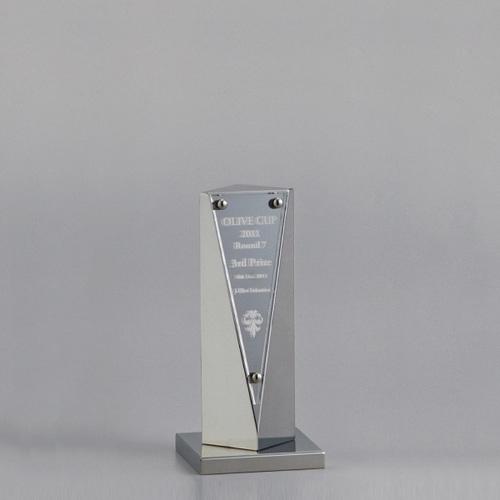 アルミ製トロフィー A93-01C ★高さ160mm
