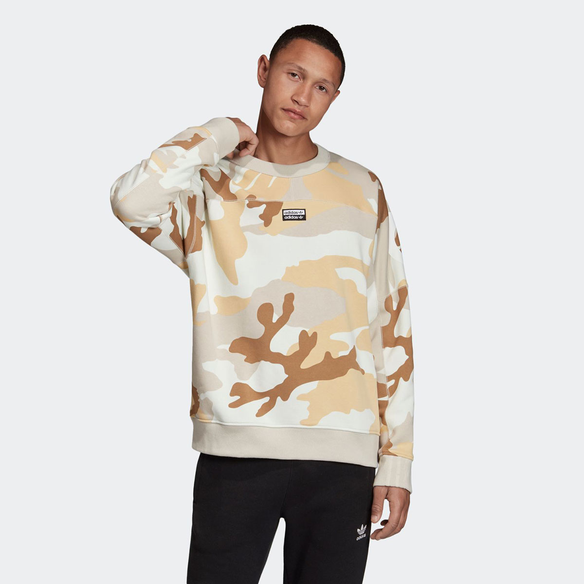 adidas VOCAL CAMO CREW(MULTI COLOR/CLEAR BROWN)(アディダス R.Y.V カモ クルー)【メンズ】【スウェット】【19FW-I】