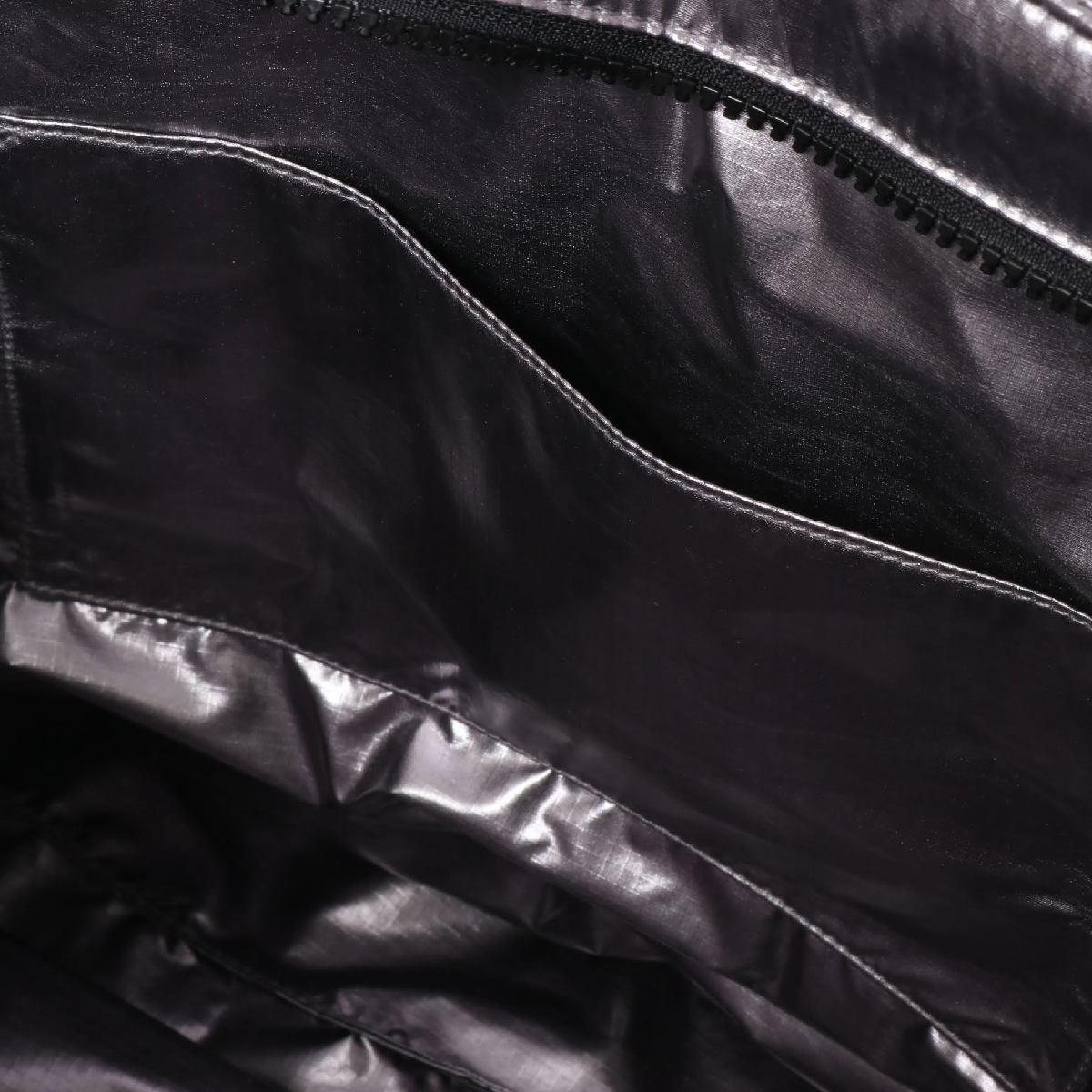 6b161203ffa UGG Krystal Puffer Tote (METALLIC SILVER) (アグクリスタルパッファートート)