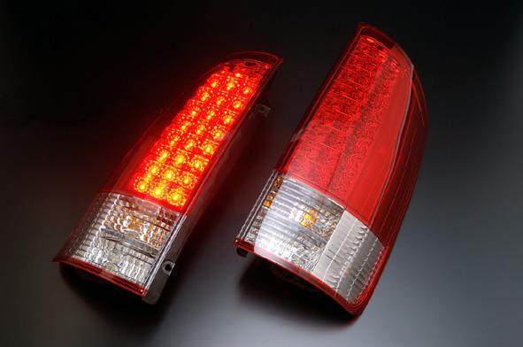 ヴォクシー(AZR60G/AZR65G)用テールランプ LEDテールランプ レッド/クリアレンズ