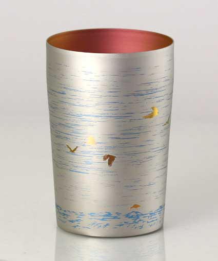 【送料無料】新潟 燕三条 [HORIE]ホリエ 純チタンタンブラー 敬老の日にオススメ純チタンコップ 純チタンカップに優雅に舞う朱鷺(トキ)配しました。 朱鷺 小 270ml シルバー