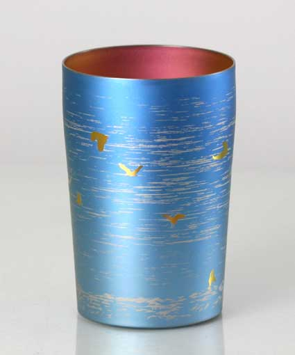 【送料無料】新潟 燕三条 [HORIE]ホリエ 純チタンタンブラー 敬老の日にオススメ純チタンコップ 純チタンカップに優雅に舞う朱鷺(トキ)配しました。 朱鷺 小 270ml ブルー