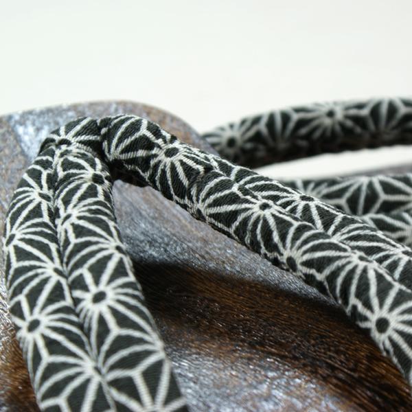 ♦ Grilled paulownia geta (kirigeta) crepe thong * hemp ikat pattern Thong (26 cm) non-slip rubber bottom