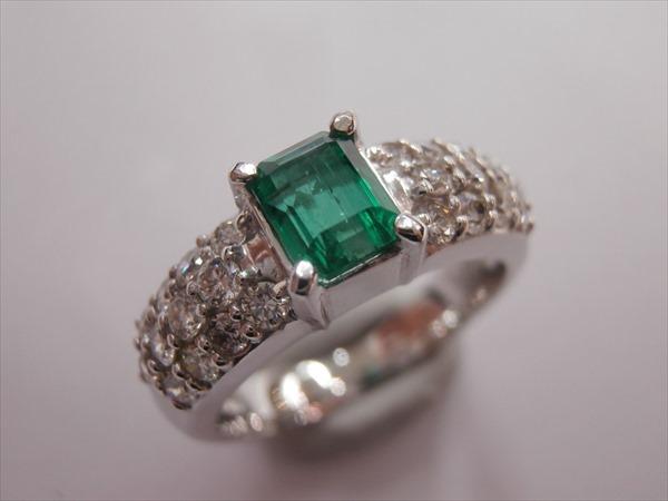 K18WGエメラルド:0.68ctダイヤモンド:0.63ct6.4g 11号指輪, 帽子店 Sun's Market:6042c744 --- officewill.xsrv.jp