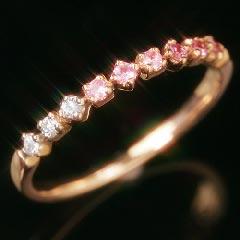【ピンクサファイア ゴールド リング 指輪・パリシエ】胸が高鳴る、魅惑の女らしさ♪ 華奢 シンプル 可愛い ゆびわ ジュエリー ブランド 宝石 おしゃれ
