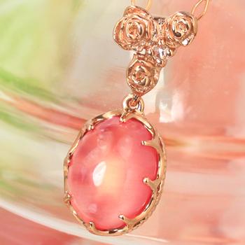 薔薇モチーフの18金ネックレス