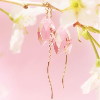 桜モチーフのアメリカンピアス