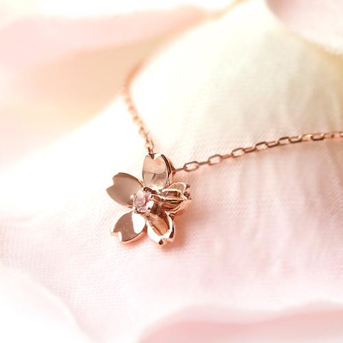 桜モチーフのネックレス