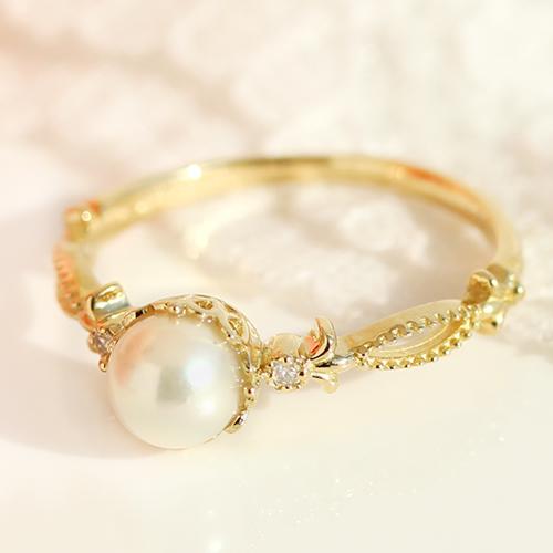 あこや真珠とダイヤモンドのリング
