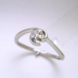 プラチナ ブルーダイヤモンド・月のリング レディース 指輪 華奢 シンプル ファッションリング 可愛い ゆびわ ジュエリー ブランド 宝石 おしゃれ