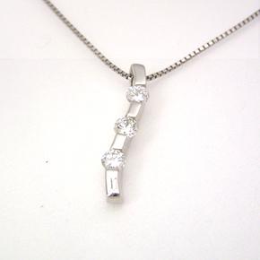 ダイヤモンド プラチナネックレス レディース ペンダント・トリロジー 華奢 シンプル ジュエリー ブランド 宝石