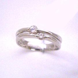 プラチナ ダイヤモンドリング レディース 指輪・オーステルリッツ ピンキーリング対応 ファランジリング ミディリング 関節リング 華奢 シンプル ファッションリング 可愛い ゆびわ ジュエリー ブランド 宝石 おしゃれ