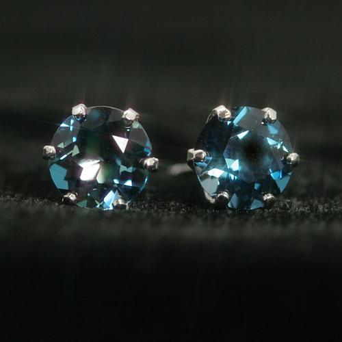インディゴブルートパーズ K14ホワイトゴールドピアス レディース・ブルーオーシャン誕生日プレゼント 華奢 シンプル 小粒 可愛いピアス ジュエリー ブランド 宝石