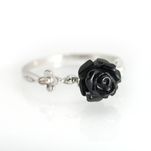 オニキス ホワイトゴールド リング レディース 指輪・ラディアーヌ 華奢 シンプル ファッションリング 可愛い ゆびわ ジュエリー ブランド 宝石 おしゃれ
