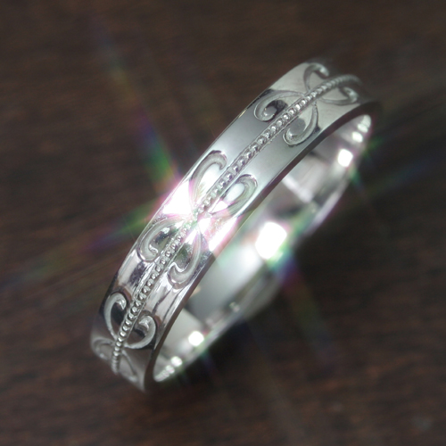 【ペアリング レディース 指輪】ホワイトゴールド リング レディース 指輪・モルトクオーレ(メンズ) 華奢 シンプル ファッションリング 可愛い ゆびわ ジュエリー ブランド 宝石 おしゃれ