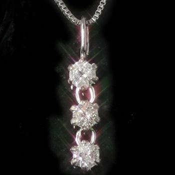 0.15ctダイヤモンド カラーゴールドネックレス レディース ペンダント・ファストリア 人気のスリーストーン トリロジー 華奢 シンプル ジュエリー ブランド 宝石