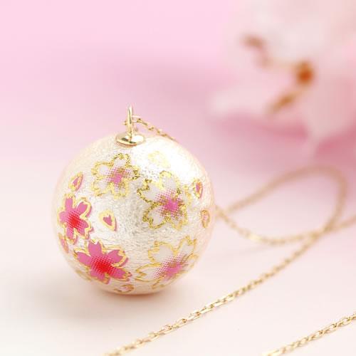 桜のコットンパールネックレス